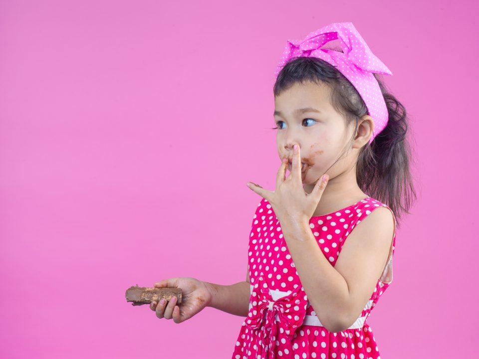 Makanan yang memicu karies gigi pada anak