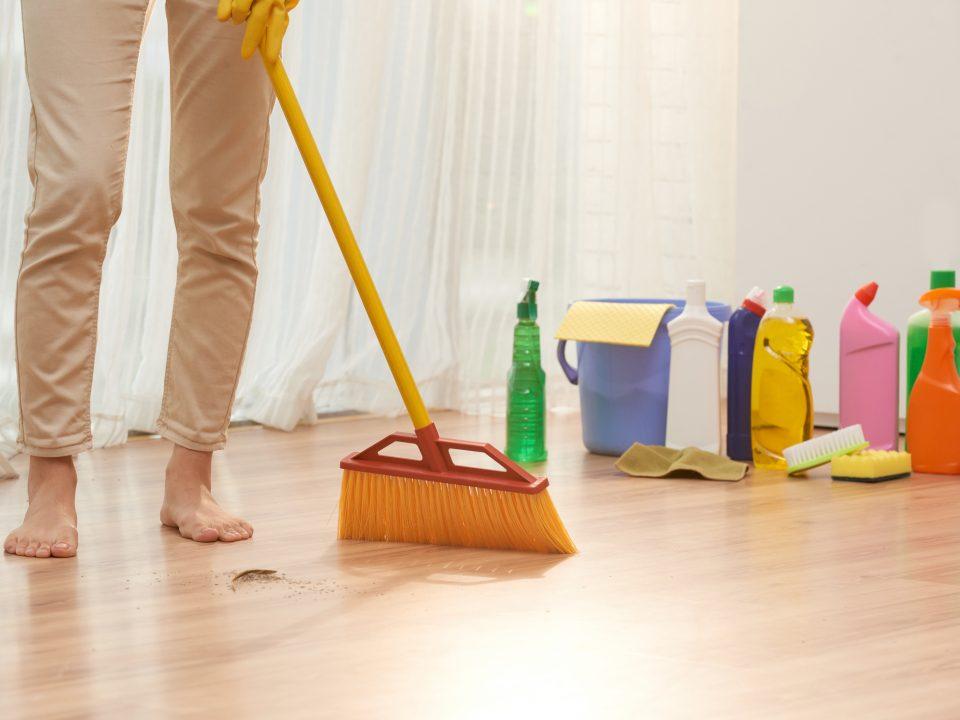 Tips Memilih Pembersih Lantai