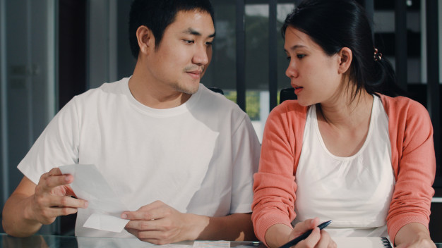 mengatur keuangan pasangan muda