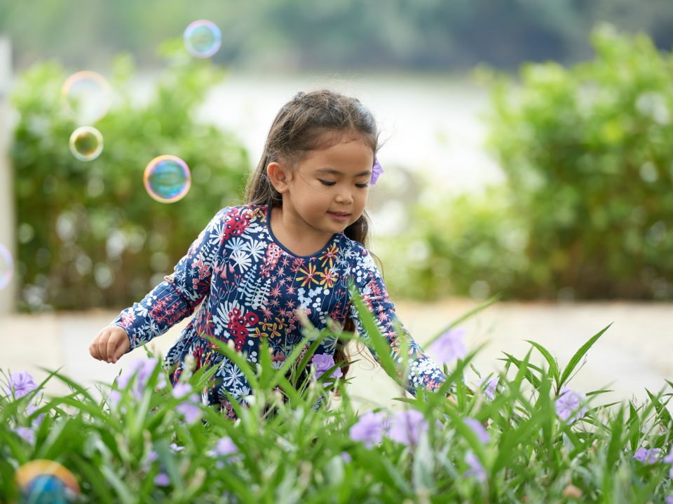 Anak peduli lingkungan