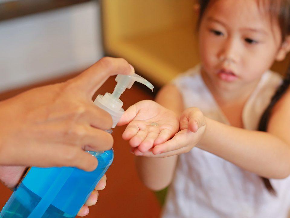 Membuat hand sanitizer sendiri di rumah