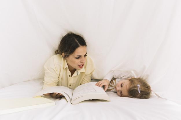 Manfaat mendongeng sebelum tidur