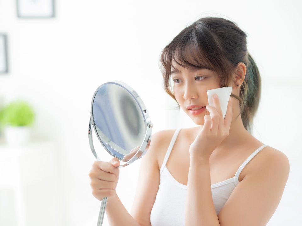 Perawatan kulit wajah berminyak