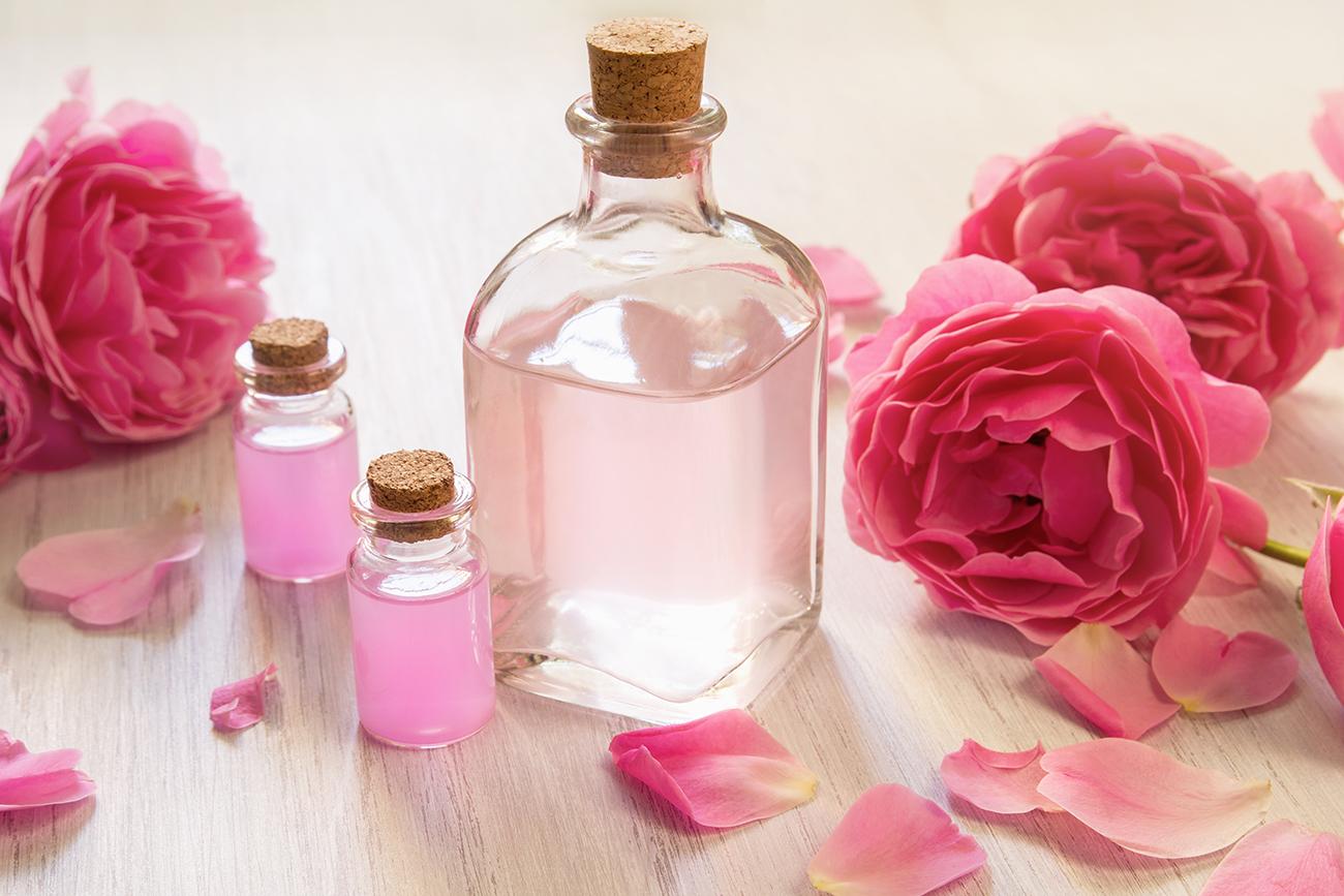 Toner alami air mawar