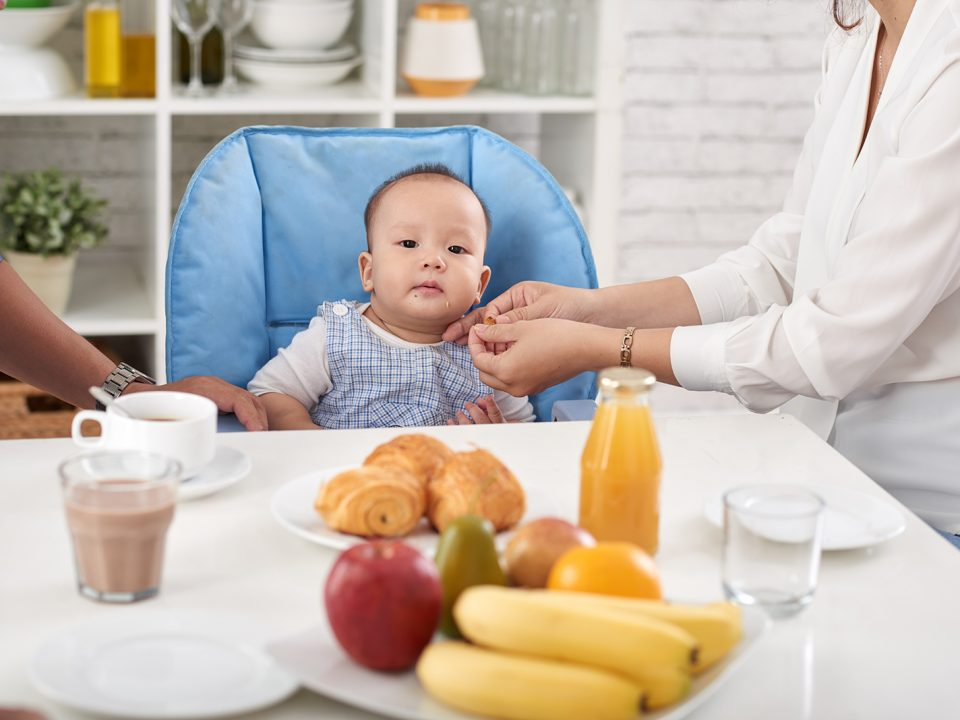 makanan yang harus dihindari bayi di bawah 1 tahun