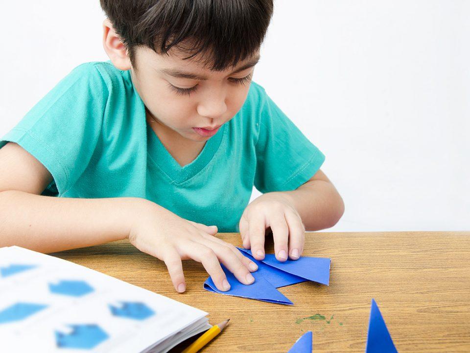 Manfaat bermian origami