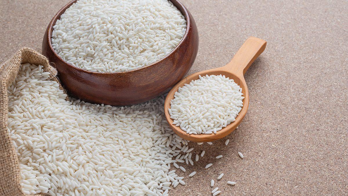 Hilangkan semut di tumpukan beras