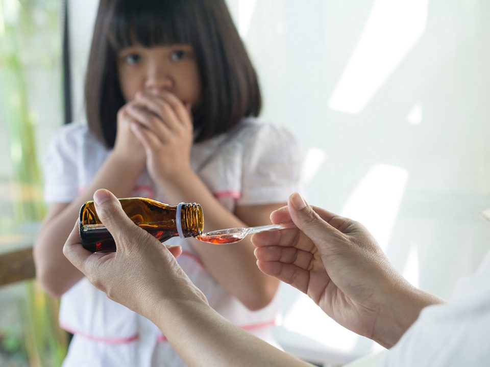 cara mengajak anak minum obat