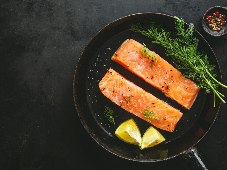 Ikan salmon makanan mengandung kolagen