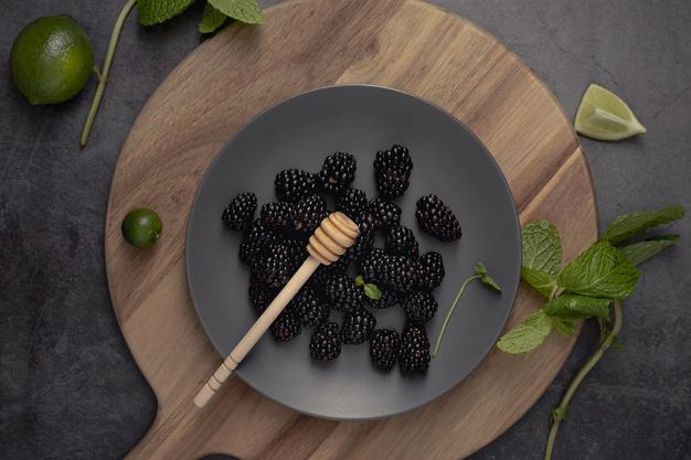 manfaat buah blackberry