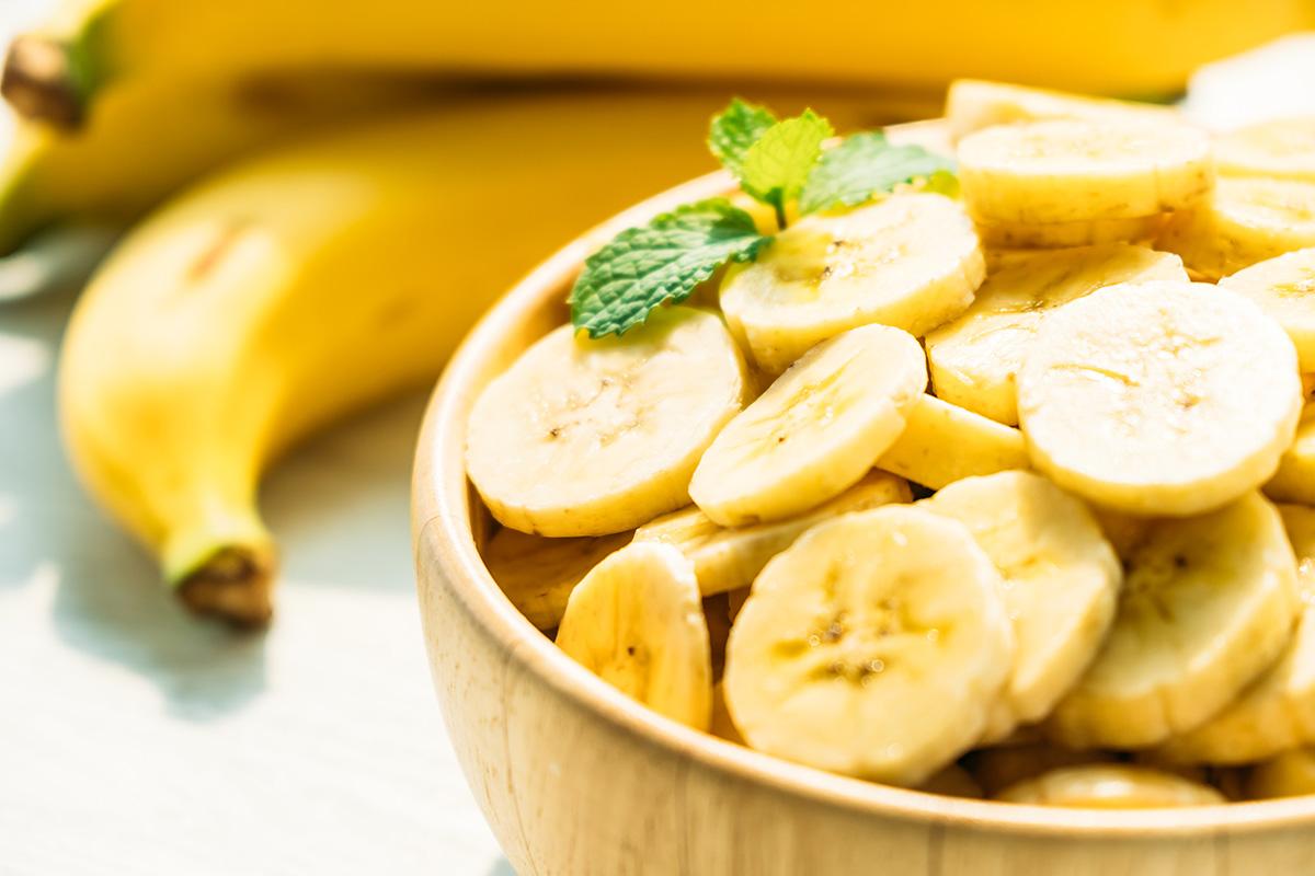 pisang obat tipes