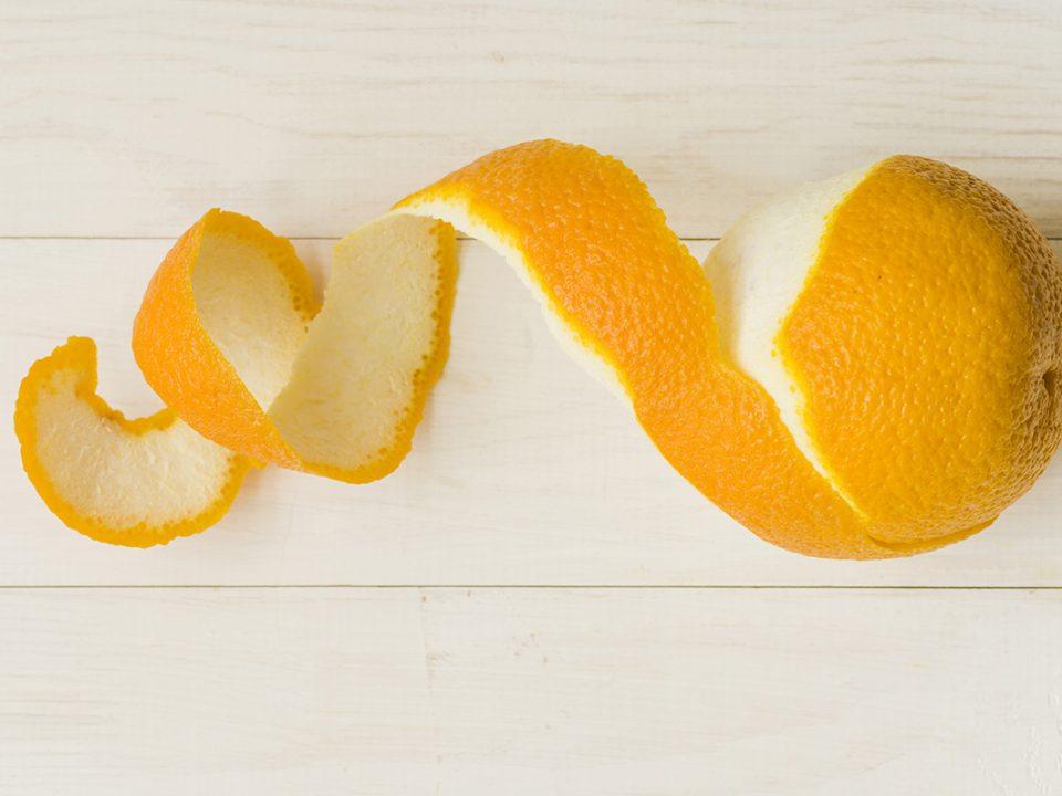Kulit jeruk untuk menghilangkan daki