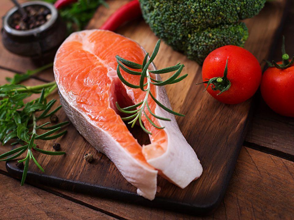 Salmon makanan anak cerdas