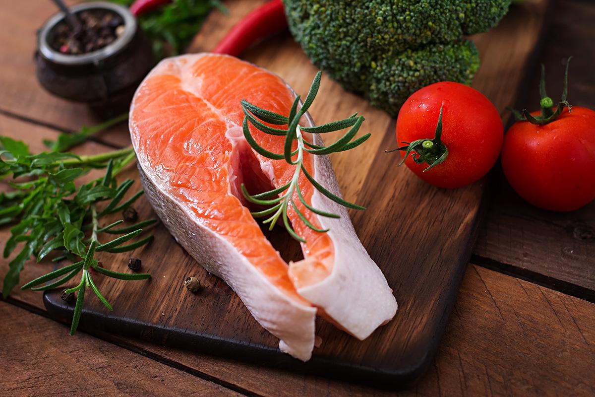 Salmon makanan untuk kesehatan rambut