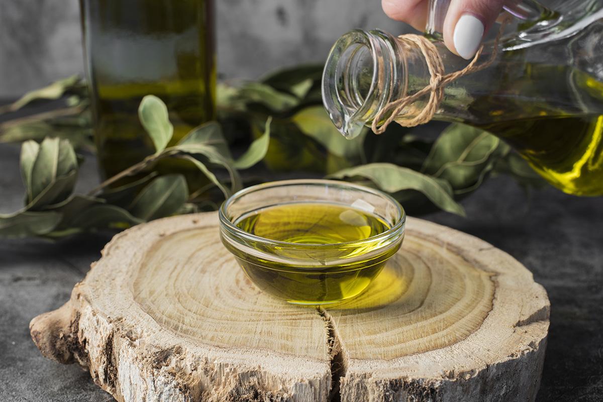 Manfaat minyak zaitun untuk masker rambut kering