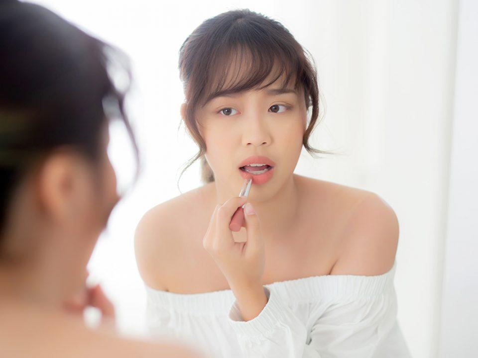 Tips lipstik tahan lama