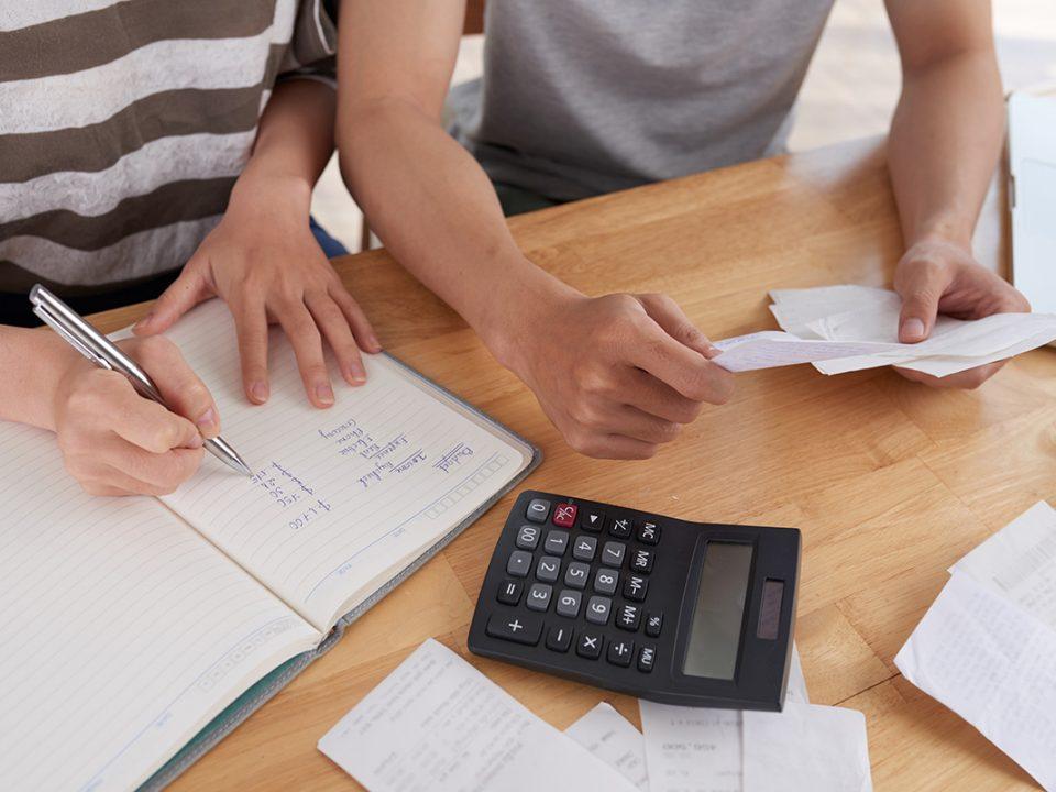 Tips mengatur keuangan gaji 4 juta