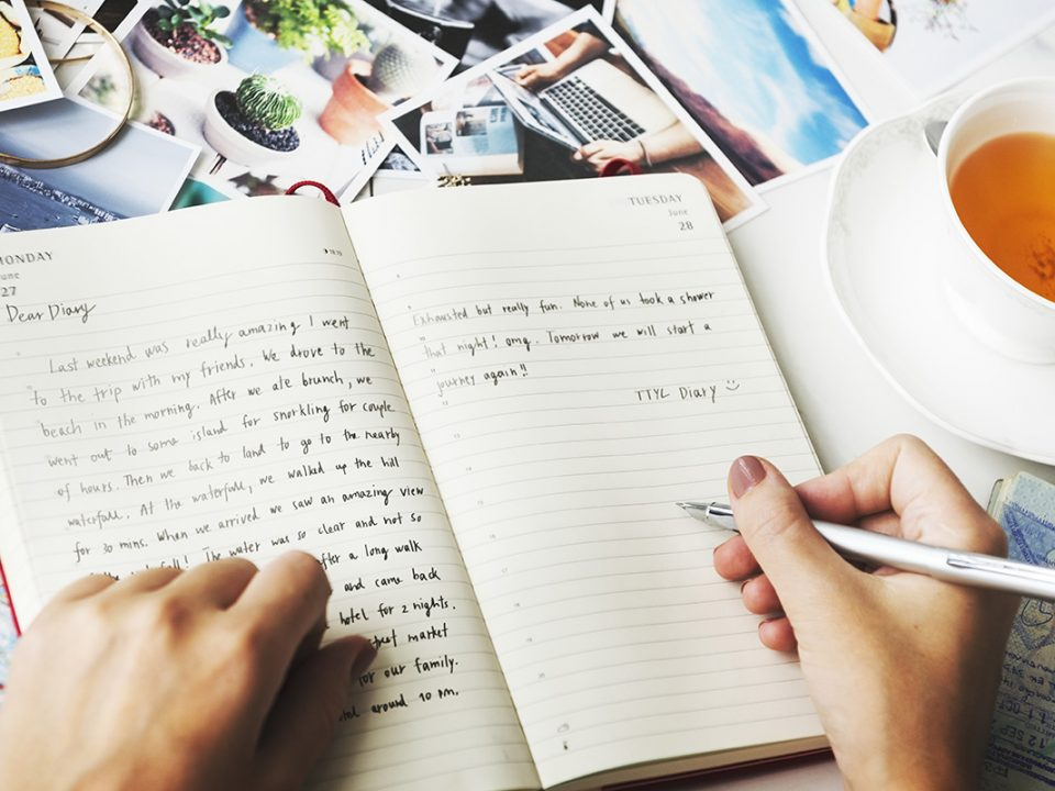 Manfaat menulis buku harian
