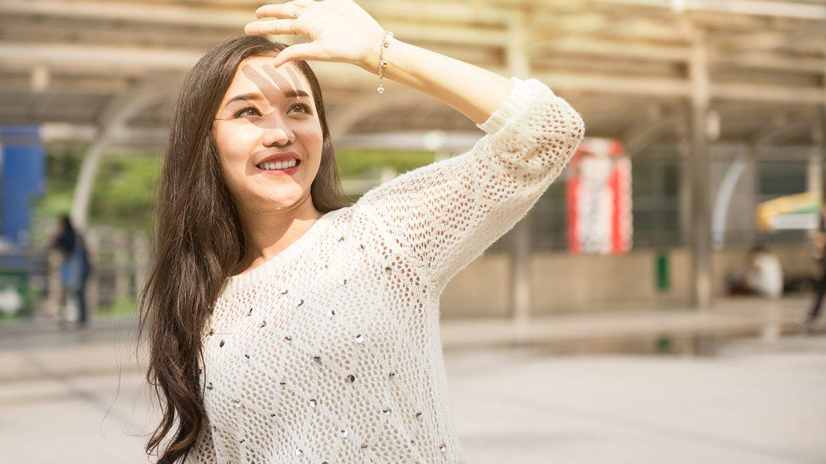 Sunscreen bermanfaat mencegah kerutan di dahi