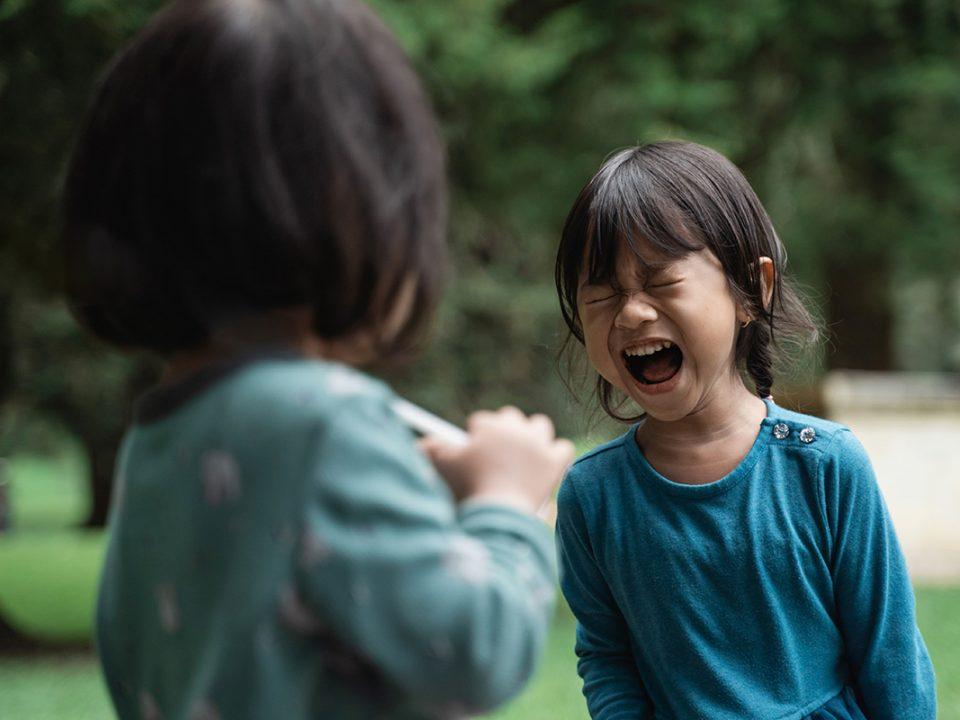 tips melerai anak bertengkar