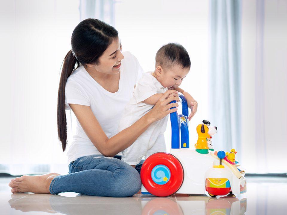 stimulasi anak cepat berjalan