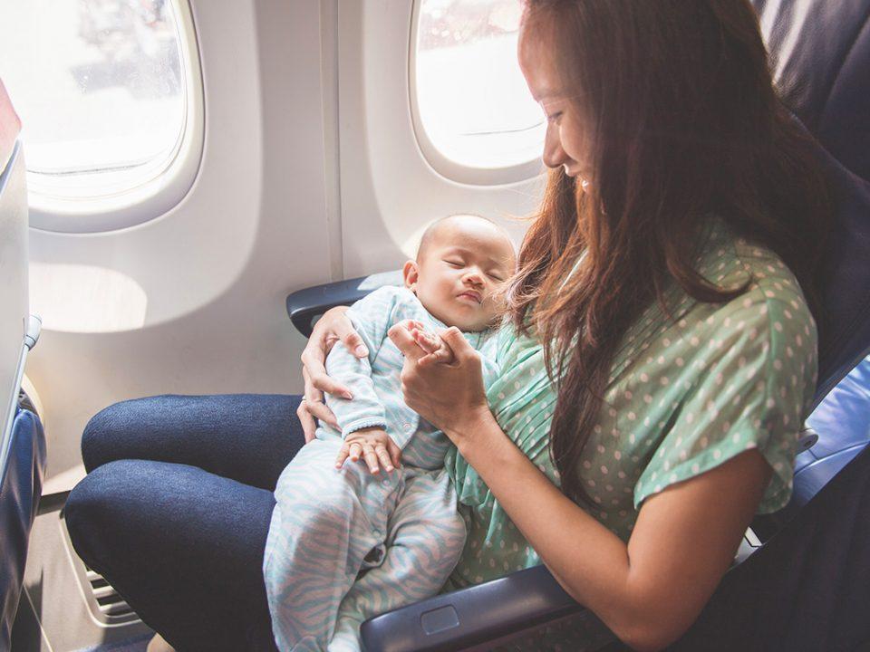Membawa bayi naik pesawat