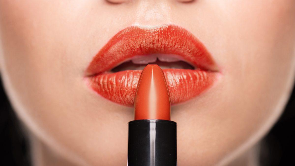 Lipstik untuk bibir hitam