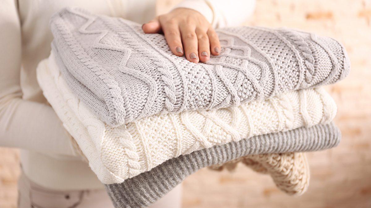 6 Cara Mencuci Sweater Rajut agar Tidak Mudah Melar - Berkeluarga