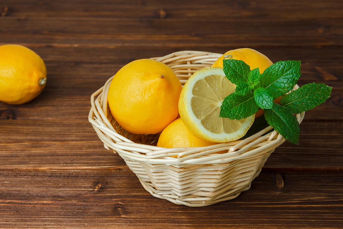 Lemon untuk menghilangkan kutu rambut