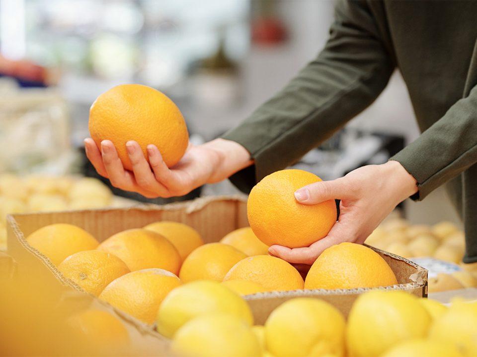 Memilih jeruk