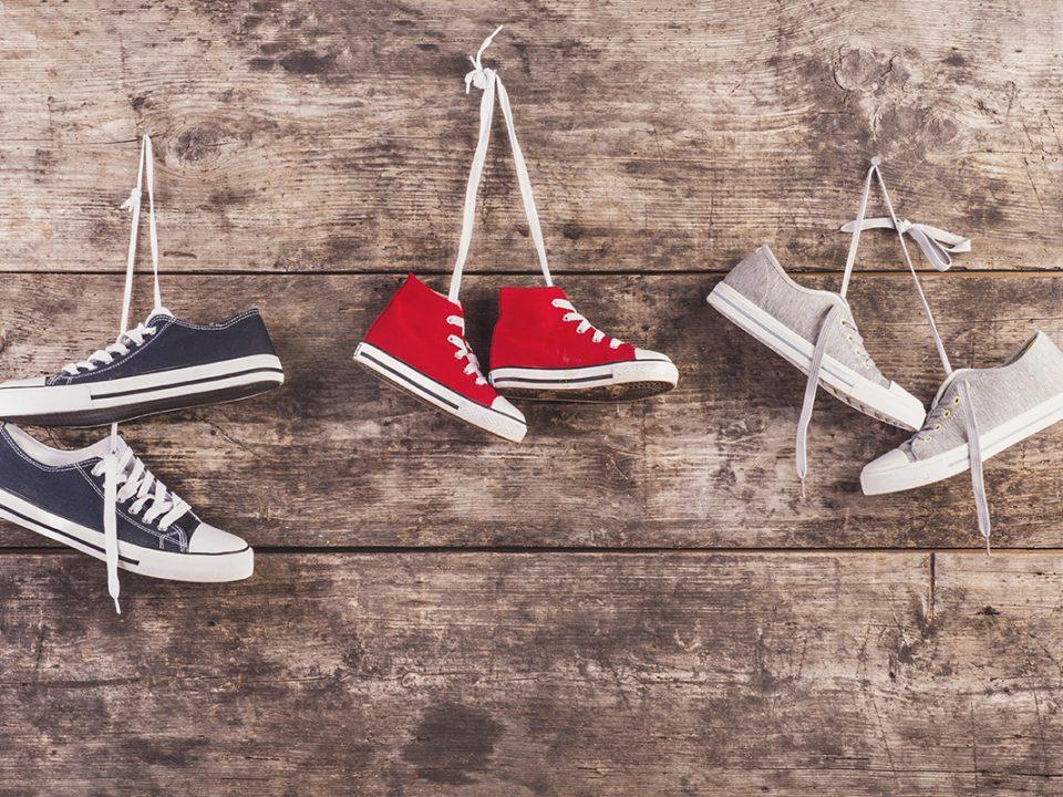 Cara Mengeringkan Sepatu